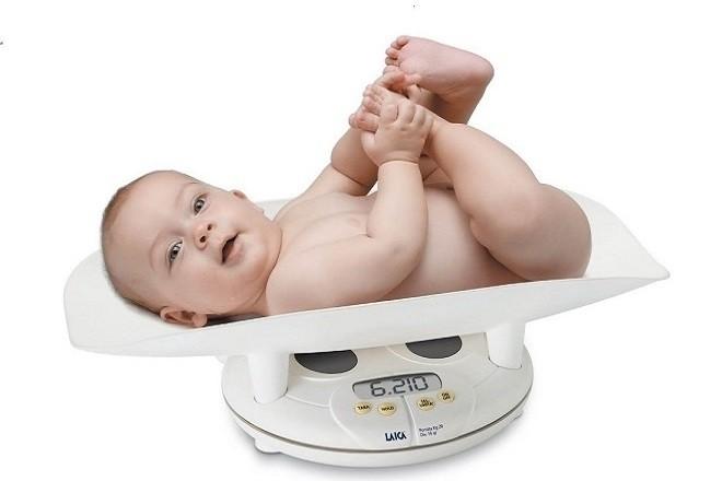 cân nặng của trẻ 9 tháng tuổi là 6210 gram