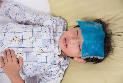 Sốt virus ở trẻ - cách điều trị đúng và phòng ngừa hiệu quả mẹ nên biết
