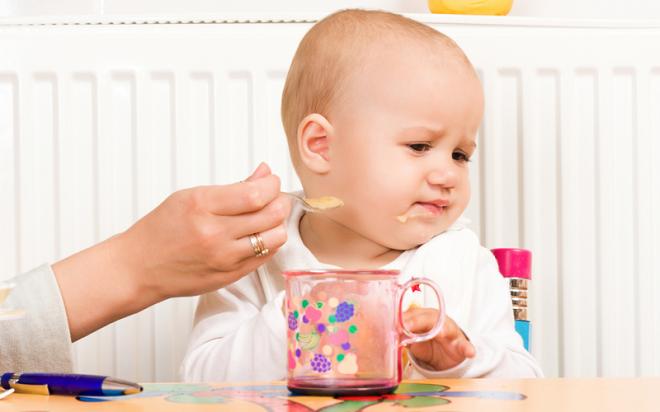 trẻ dưới 1 tuổi không chịu ăn dẫn đến thiếu cân nặng