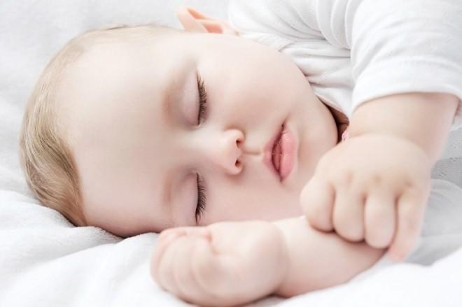 trẻ sơ sinh ngủ ngon giấc