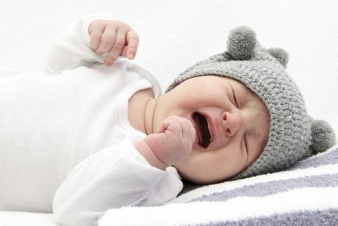 bé 6 tháng tuổi bị sốt do mọc răng