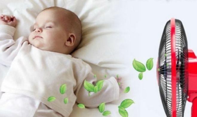 không để máy quạt hướng thẳng vào người bé sơ sinh