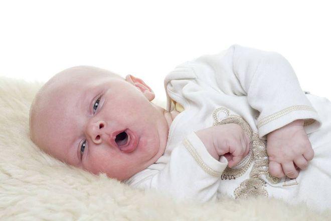 trẻ sơ sinh thường viêm đường hô hấp vào mùa hè