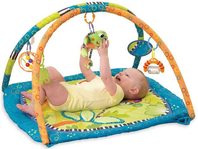 các mẹ nên cho bé sơ sinh 2 tháng tuổi chơi với đồ vật phù hợp