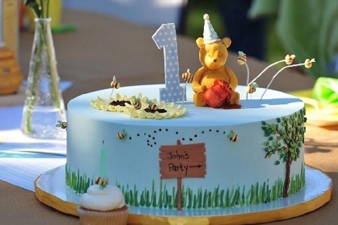 bánh sinh nhật 1 tuổi trong lễ thôi nôi bé trai