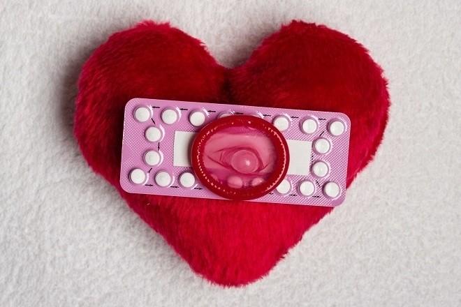 dùng bao cao su và thuốc tránh thai để an toàn trong kế hoạch hóa gia đình