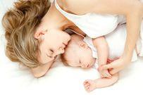 Trẻ hay lắc đầu khi ngủ là biểu hiện bình thường hay bất thường?