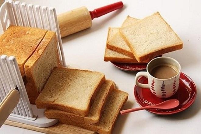 bánh mì vuông