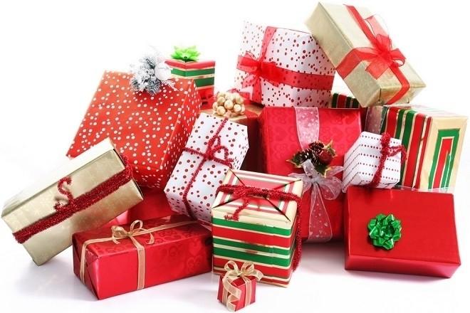 những hộp quà đầy tháng cho bé trai