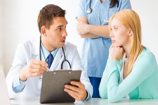 bác sĩ tư vấn về cách đặt vòng tránh thai