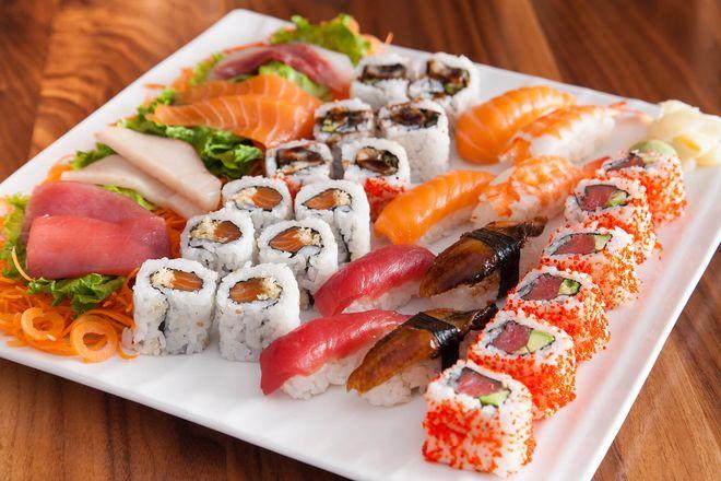 Sushi là thực phẩm cần được kiêng cử đối với phụ nữ khi mang thai