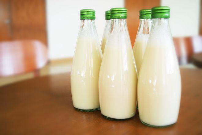 sữa chưa tiệt trùng chứa nhiều vi khuẩn gây hại cho sức khỏe của mẹ và bé