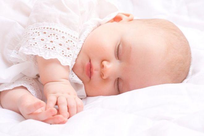 bé ngủ ngon do được bổ sung chất đầy đủ