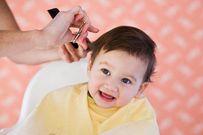 Cách cắt tóc cho trẻ sơ sinh đơn giản tại nhà