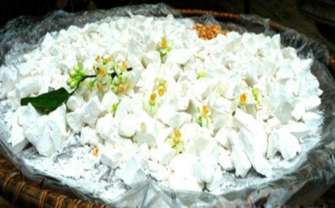 cho hoa bưởi vào bột sắn dây