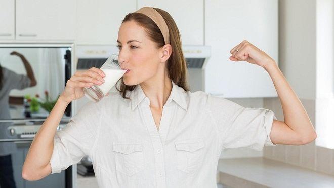 nên uống sữa lúc nào là tốt cho sức khỏe bà bầu và thai nhi