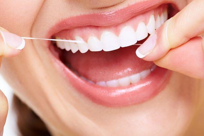 Vệ sinh răng miệng thật kỹ để tránh các bệnh về răng miệng mẹ nhé