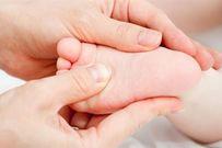 Trẻ sơ sinh bị khô da và cách chăm sóc mẹ nên ghi nhớ