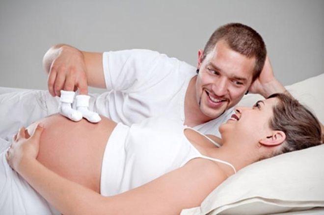 bố mẹ cảm nhận thai máy