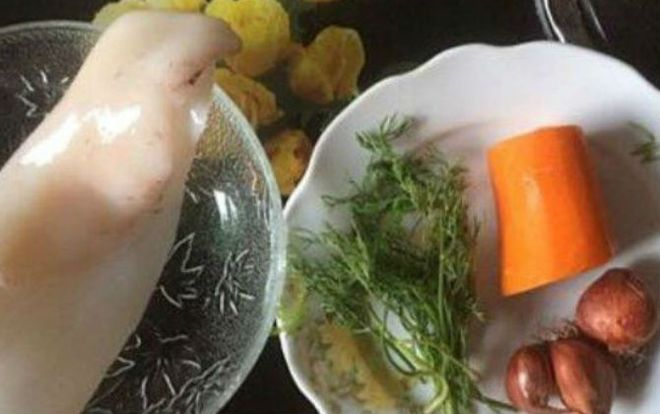 cách nấu cháo mực cà rốt cho bé ăn dặm