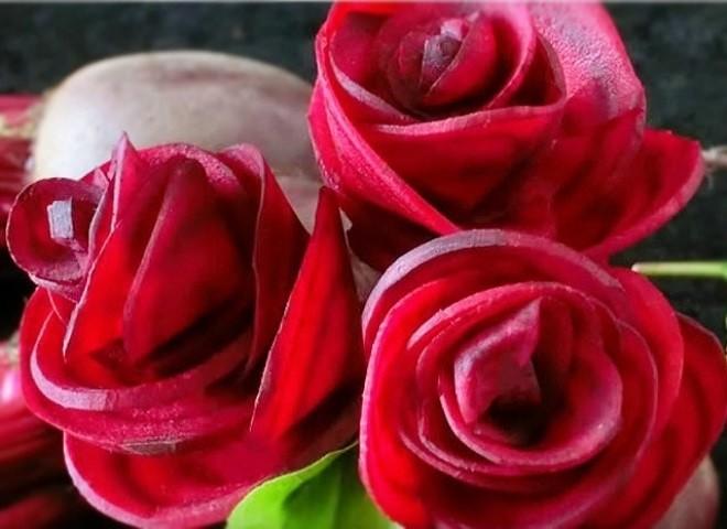 tỉa củ dền thành hoa hồng