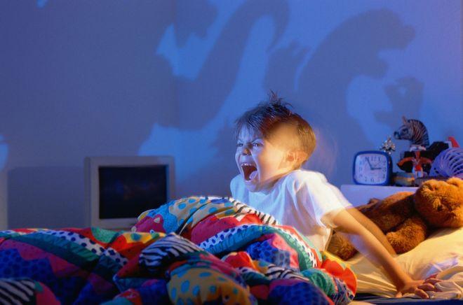 trẻ hét thức giấc nửa đêm