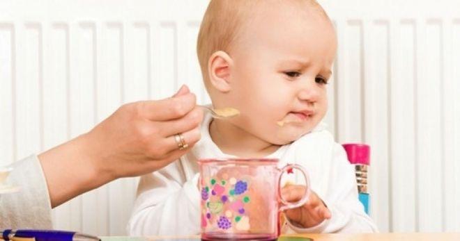 sai lầm khi cho bé ăn dặm sẽ ảnh hưởng đến việc hấp thu dinh dưỡng