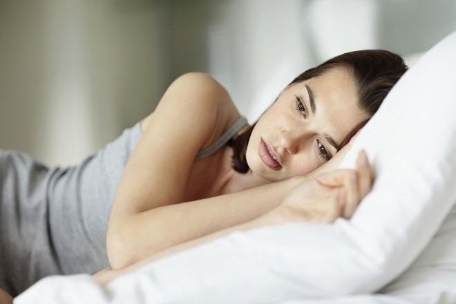 phụ nữ lo lắng vì tác dụng phụ