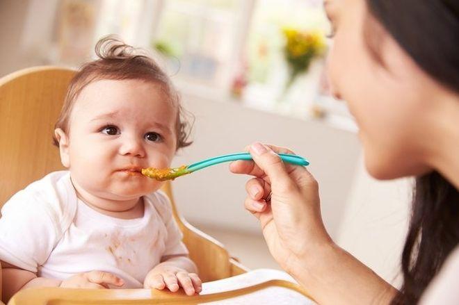 thực đơn ăn dặm cho trẻ 6 tháng không cần quá cầu kỳ nhưng phải đảm bảo dinh dưỡng