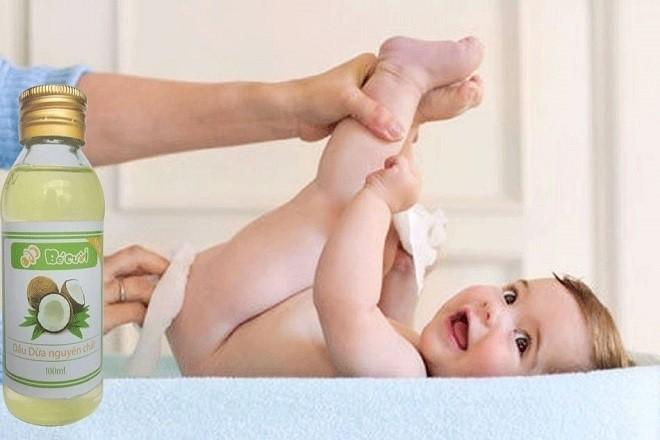 tác dụng của dầu dừa với trẻ sơ sinh là trị hăm tã