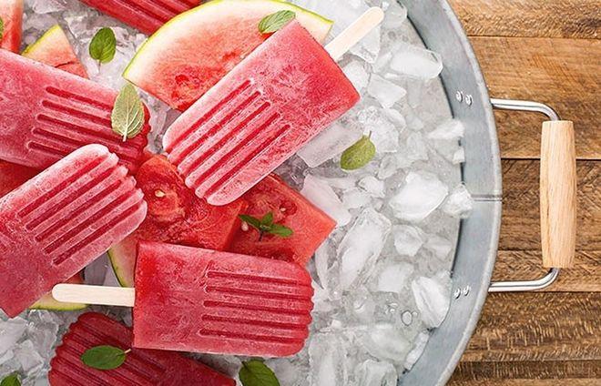 Không nên ăn dưa hấu ướp lạnh