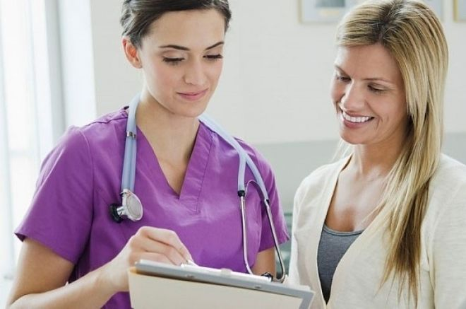 Nếu như kết quả thử thai bằng que thử mờ sau nhiều lần thử, bạn có thể đi làm xét nghiệm tại các cơ sở y tế.