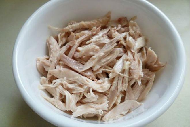 thịt gà xé phay