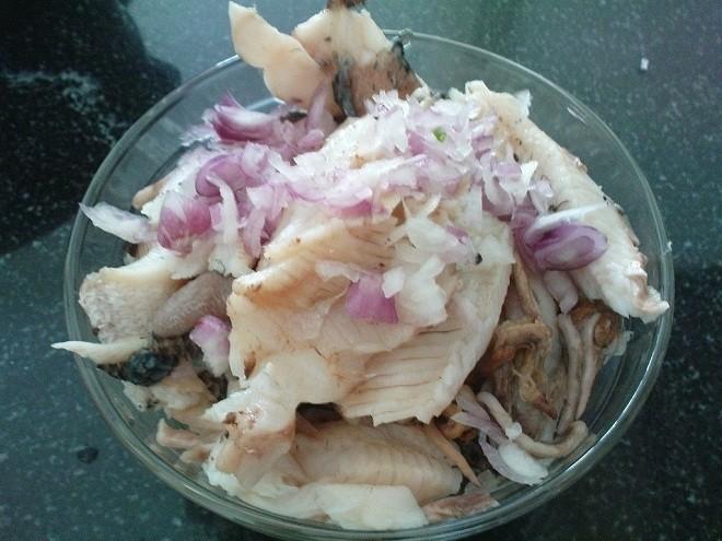 thịt cá ướp gia vị