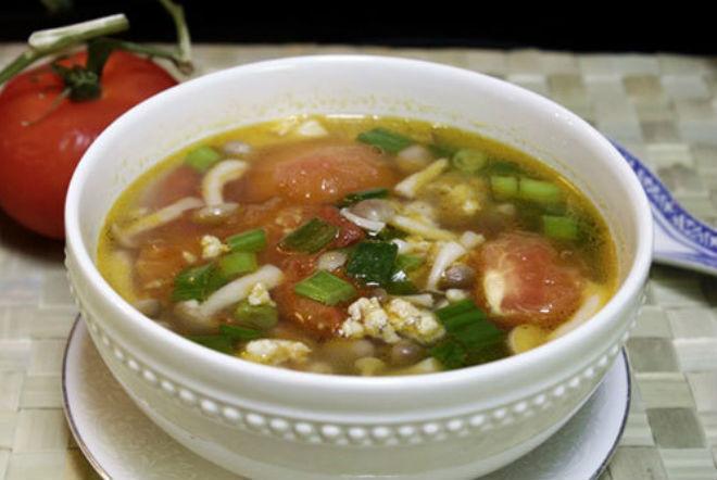 canh nấm nấu thịt nạc xay với cà chua
