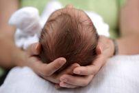 Trẻ sơ sinh bị móp đầu: Nguyên nhân và cách khắc phục