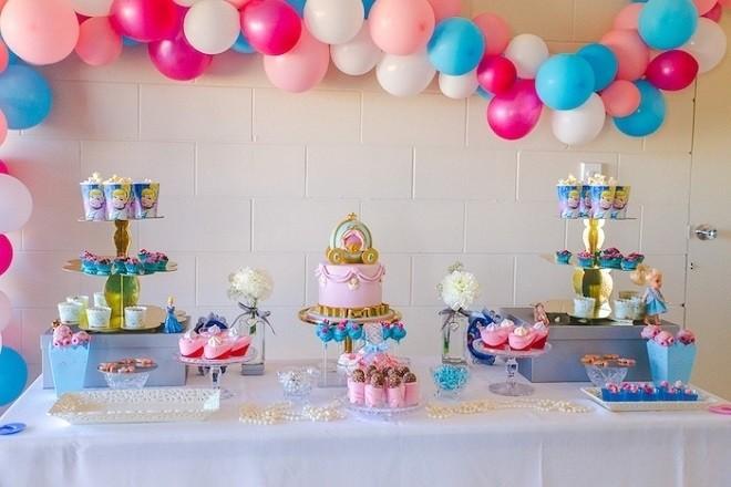 bày tiệc sinh nhật cho bé