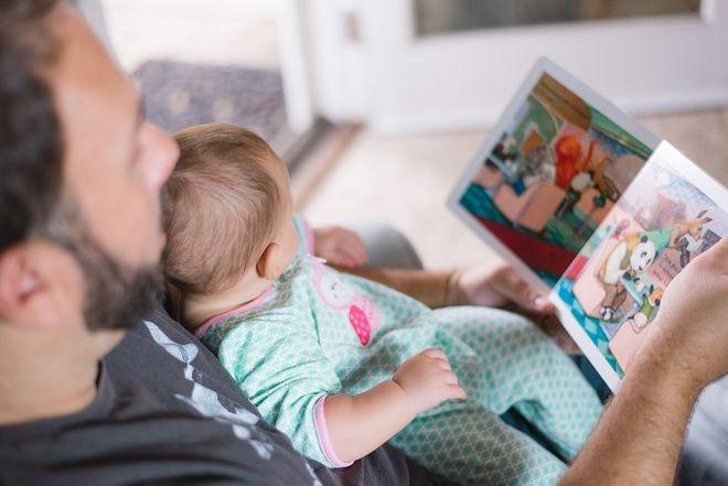 ba mẹ là người thầy ngôn ngữ cho trẻ