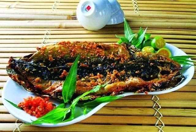 cá nướng sa tế thơm ngon hấp sẫn