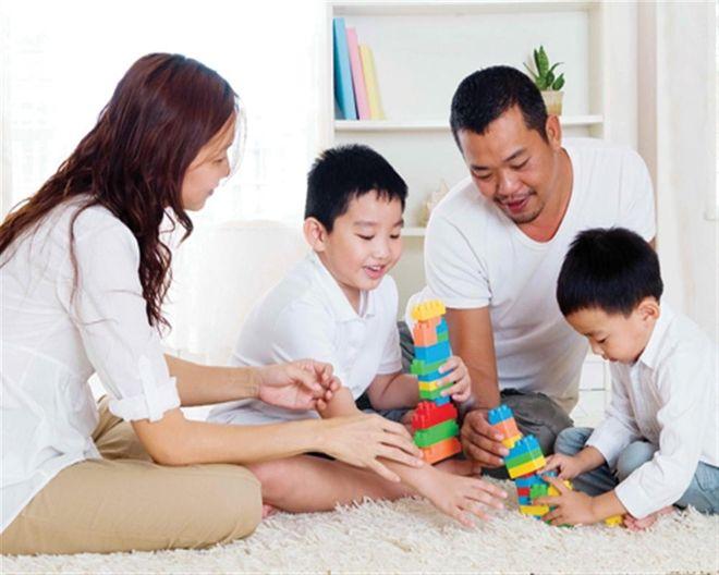 Bố mẹ thống nhất về phương pháp dạy trẻ