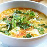 Cách nấu canh cà chua trứng đơn giản giúp bữa cơm gia đình thêm ngon miệng