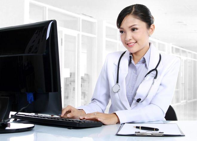 các bác sĩ sản khoa với nhiều kinh nghiệm sẽ giải đáp những thắc mắc ấy