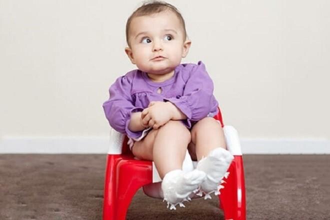 trẻ sơ sinh bị tiêu chảy