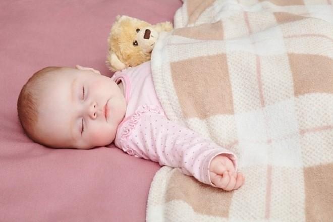 ủ ấm cho bé ngủ ngon