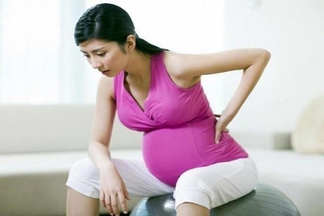 Mẹ sẽ bị đau dây chằng và đau lưng nhiều hơn ở tuần thai này