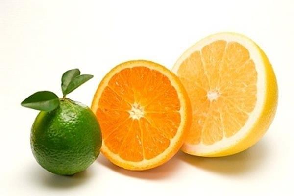 quả cam và quả quýt
