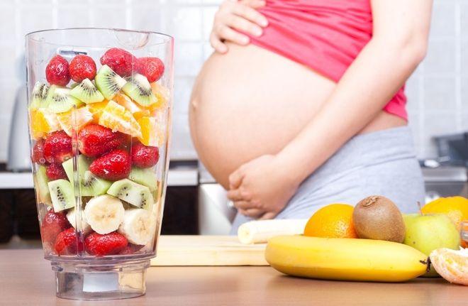 Mẹ bầu nên bổ sung nhiều nước trái cây