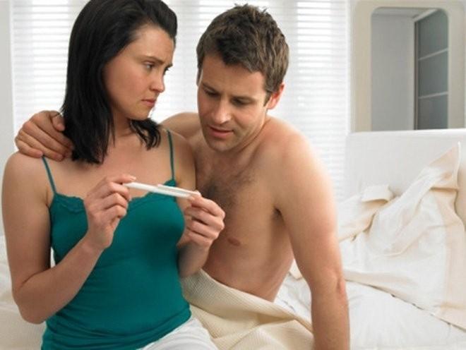 Thụ tinh nhân tạo không thành công dẫn đến que thử thai dương tính giả.