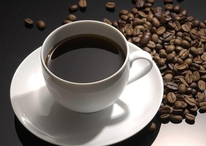 Bà bầu uống cà phê chỉ một tách nhỏ mỗi ngày không gây hại cho sức khỏe