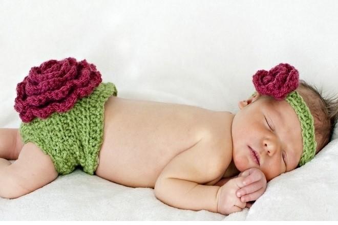 trẻ sơ sinh thường ngủ rất nhiều trong ngày